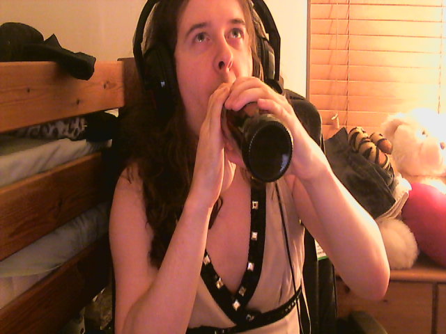 Kinny drinking Cider.png