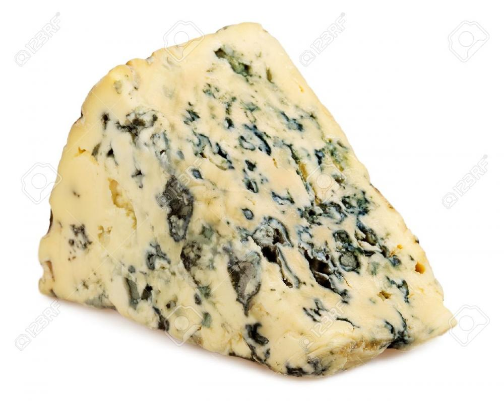 12903423-Slice-of-Roquefort-cheese-on-white-background-Stock-Photo-blue.jpg